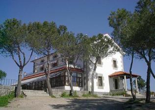 Campamento de verano en granja escuela en la sierra de Madrid