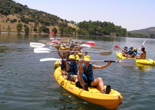 Campamento Multiaventura  en pleno Parque Natural Sierra Norte. Julio y Agosto