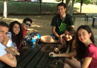 Premonitor con inmersión al inglés en Cataluña - vive con americanos y mejora tu inglés